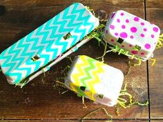 """Decorate your leftover (Easter) egg cartons and send guests home with their eggs, mini cupcakes, or other special treats, tucked safe in a """"box. Easter Treats, Easter Gift, Cute Crafts, Crafts For Kids, Egg Box Craft, Toddler Art Projects, Egg Cartons, Easter Activities, Holiday Crafts"""