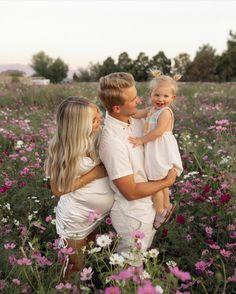 Cute Pregnancy Photos, Aspyn And Parker, Christian Faith, Youtubers, Couple Photos, Couples, Baby Girls, Families, Instagram