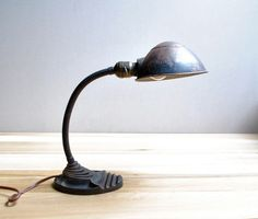 I love this industrial look! Vintage Box, Vintage Wear, Desk Lamp, Table Lamp, Anglepoise Lamp, Vintage Industrial Lighting, Task Lighting, Interior, Stuff To Buy