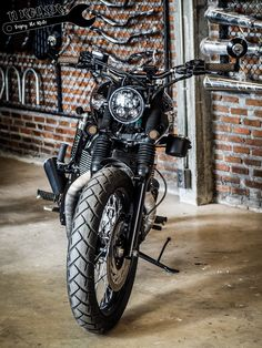 Triumph Boneville T100 Custom by 11ROCKERs Garage & Club
