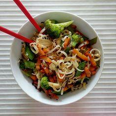 Pasta Salad, Ethnic Recipes, Food, Hands, Crab Pasta Salad, Essen, Meals, Yemek, Eten