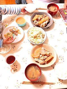 久しぶりの家族水入らず。 - 2件のもぐもぐ - 大根と手羽元の煮物、ポテトサラダ、あさりの味噌汁 by tomomi59