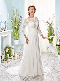 Mooie bruidsjurk van lange kanten mouwen van Lisa Donetti