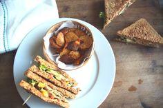 Ein Traum für jeden Filmabend. Das #vegane #clubsandwich mit #kartoffelchips. Hmmm lecker!