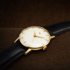 Your place to buy and sell all things handmade Gents Watches, Luxury Dress, Mechanical Watch, Watch Case, Black Leather, Buy And Sell, Jewels, Stuff To Buy, Men