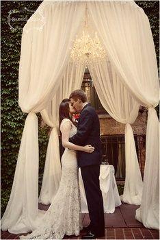 Pode beijar a noiva :)