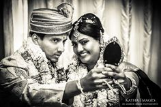 wedding photographer colombo - Tamil bride and Groom with mirror