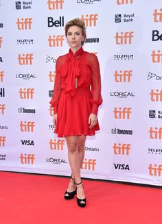 Scarlett Johansson in Haney at the 'Sing' Premiere - Best Dressed at the 2016…