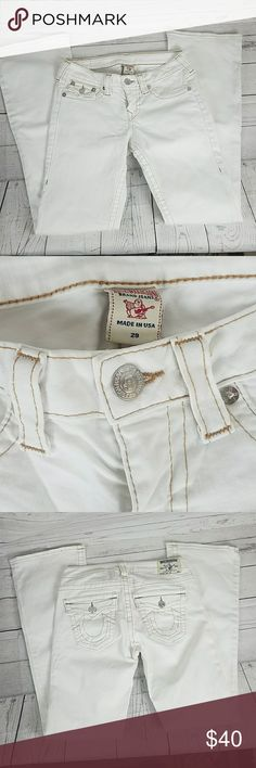 Women's True Religion Jean's Boot Cut Size 29 Women's True Religion Jean's are in good condition. Gently used. Boot Cut Size 29 Inseam 32 Rise 8 inches  Waist 14 inches True Religion Jeans Boot Cut