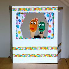 Make your own puppet theater and adorable, expressive wooden spoon puppets with this sweet tutorial. Also makes a great kids gift to make and give! Kids Crafts, Projects For Kids, Diy For Kids, Diy And Crafts, Craft Projects, Kids Learning Activities, Craft Activities, Arte Elemental, Sparkle Crafts