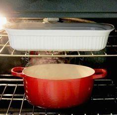 Αφήστε το νερό και την αμμωνία μέσα στο φούρνο όλο το βράδυ. Oven Cleaning Hacks, Household Chores, Cleaners Homemade, Home Hacks, Home Organization, Clean House, Housekeeping, Sweet Home, Health Fitness
