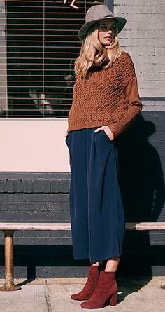 Die Mode der 70er ist alles andere als verstaubt: Sie erlebt gerade ihr großes Revival! Welche 70er-Jahre-Trends uns in der aktuellen Herbstmode begegnen und was den Seventies-Style auszeichnet, erfahrt ihr hier. So schöne Farben und erst der Hut... #WomensFashion