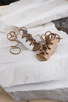 BABYWALKER shoes · BABYWALKER PRESS · Τα πιο ξεχωριστά βαπτιστικά ρούχα και  πακέτα   All inclusive   σε 1 online 3ed00e3d82e