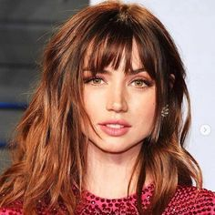 Grosse frange coiffure et coupe de cheveuxThis Concealer Hack Changed My FacePhoto 443 - Tendances Coiffures 2014 Schwarzkopf Professional B Hot Haircuts, Haircuts With Bangs, Bob Hairstyles, Straight Hairstyles, Popular Haircuts, Hair Inspo, Hair Inspiration, Lob With Bangs, Lob Bangs
