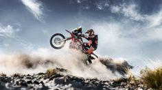 ・・・ Arising from the Dust! Rally Dakar, Rallye Raid, Enduro Motocross, Moto Cross, Dirt Bike Girl, Quad Bike, Epic Fail Pictures, Bike Life, Motorbikes