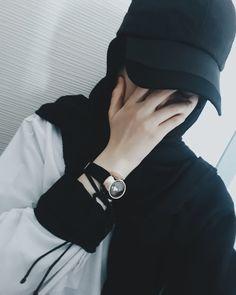 Imange may contain: one or more people Niqab Fashion, Modern Hijab Fashion, Street Hijab Fashion, Muslim Fashion, Stylish Hijab, Casual Hijab Outfit, Stylish Girl, Stylish Dp, Hijab Style