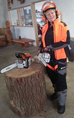 """Female chainsawing and protective work wear is recently brought to """"the next level"""". Woodnwonderful :-) #woodnwonder #stihl #sponsorship #chainsaw #nextlevel #woodenfurniture"""