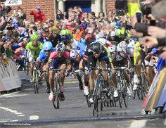 PezCycling News - Giro'14 St.3: Some serious argy-bargy ruled the finale on some of Dublin's twistiest roads. It was every man for himself as Marcel Kittel came from way back to score a brilliant win. Read the PEZ race report here.