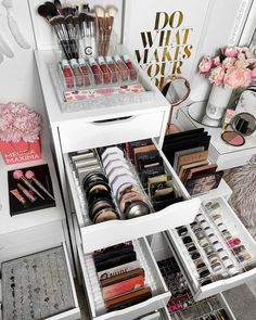 Makeup Organizers For Ikea Alex Drawers for Makeup Looks Modern Renaissance save Makeup Kit For Girls inside Makeup Vanity Narrow despite Makeup Forever Tint Organizer Makeup, Makeup Storage Organization, Storage Ideas, Organization Ideas, Makeup Room Decor, Makeup Rooms, Diy Makeup Vanity, Makeup Set, Makeup Vanities
