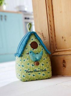 Ulster Weavers Bird House Door Stop - Fabric Door Stops Fabric Crafts, Sewing Crafts, Sewing Projects, Doorstop Pattern, Owl Doorstop, Fabric Door Stop, Home Crafts, Diy Crafts, Bazaar Ideas