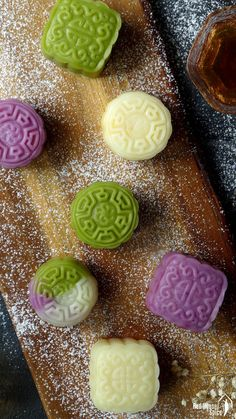 Mooncake with Custard Filling. A delicate treat for celebrating Chinese Mid-Autumn Festival snow skin mooncake delivers enchanting texture and flavour. Chinese Moon Cake, Mooncake Recipe, Custard Filling, Dessert Decoration, Mid Autumn Festival, Asian, Food Festival, Dessert Recipes, Desserts