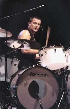 Drummerworld: Carl Palmer