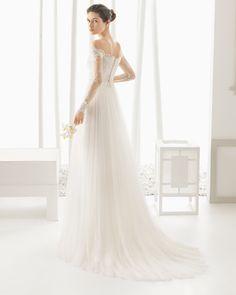 DOMINIC traje de novia con cuerpo de encaje rebrodé y chantilly pedrería con falda de tul.