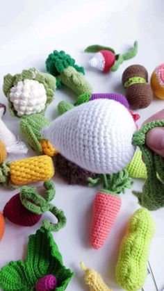 Educational play set: toys and cards. Crochet Fruit, Crochet Food, Crochet Crafts, Crochet Baby, Crochet Projects, Knit Crochet, Crochet Animal Patterns, Crochet Patterns Amigurumi, Handgemachtes Baby