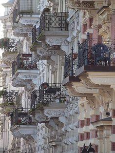 Les balcons de Paris