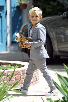 Kingston Rossdale stylish kid. No excuses to dress a kid in any other way
