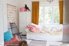 olohuone,värikäs,sohva,mökki,räsymatto