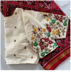 Saree Blouse Patterns, Saree Blouse Designs, Maggam Work Designs, Hand Work Blouse Design, Bridal Blouse Designs, Saree Models, Blouse Dress, Embroidery, Gold Jewellery