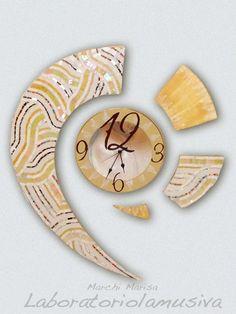 Virgola, orologio realizzato con tecnica a mosaico in paste vitree, murene di…
