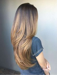 Glamorized Layered Hairstyles and Haircuts for Women (4)