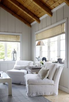 White cottage - love the natural wood ceilings Style Cottage, White Cottage, Cottage Living, Coastal Living, Coastal Homes, Ideas Cabaña, Decor Ideas, Wood Ceilings, Paneling Walls