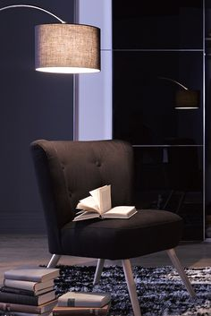 Wohntrend:  Glamour in the dark Retro-Look in seiner schönsten Form: Der hochwertige  Stuhlsessel »Nikki« von Max Winzer® im stilvollen Design  passt gut zu unterschiedlichen Einrichtungsstilen. Ob im  Schlafzimmer oder im Wohnraum – der zeitlose Struktur-Bezug   fügt sich harmonisch in fast jedes Wohn-Ambiente ein.