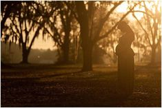 Maternity photograph with natural light Maternity Pictures, Pregnancy Photos, Still Frame, Maternity Photographer, Natural Light, Photography Poses, Sunset, Goddesses, Nature