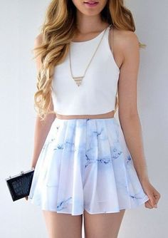 Zweiteiler Bateau Short Printed White Chiffon Ballkleid 2019 Zweiteiler Bateau Short Printed White Chiffon Ballkleid The post Zweiteiler Bateau Short Printed White Chiffon Ballkleid 2019 appeared first on Outfit Diy. Crop Top Outfits, Girly Outfits, Mode Outfits, Trendy Outfits, Cute Outfits With Skirts, Teen Skirts, Chic Outfits, Teenage Outfits, Cute Skirts