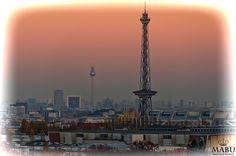 Der Berliner Funkturm und der Berliner Fernsehturm vom Teufelsberg aufgenommen. (Photo: Copyright @ MaBu Photography)