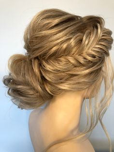 Bridal Beauty, Bridal Hair, Looking Gorgeous, Most Beautiful, Plan My Wedding, Bridal Show, Your Girl, Hair Designs, Classic Looks