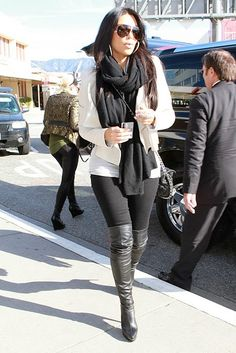 love all the Kardashian girls style!