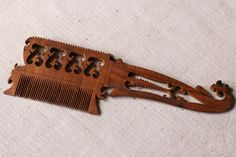 Hand Carved Sheesham Wood Comb – iTokri आई.टोकरी