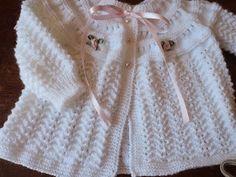 Casquinho Raquel RN feito com lã Keamor e agulha 3,0 . Ponto fantasia: pavãozinho ( adoro) fica muito delicado.    Tenho recebido at...