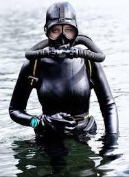 Resultado de imagen para scuba diving women