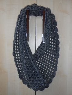 Szürke körsál fonAlom kézművestől Crochet, Accessories, Products, Fashion, Moda, La Mode, Crochet Crop Top, Fasion, Chrochet