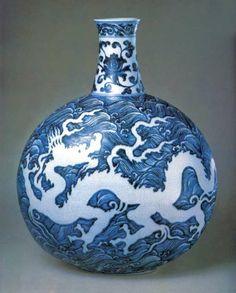 Porzellan in Blau und Weiß im Haushalt Schöne Dekoration Vase