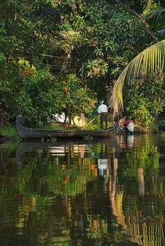 peaceful canal life in the backwaters of Kerala India peaceful canal life in… India Travel Honeymoon Backpack Backpacking Vacation Kerala Travel, Kerala Tourism, India Travel, Landscape Photography, Nature Photography, Travel Photography, Indian Photography, Cochin, Beautiful World