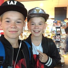 Marcus and Martinus Cute Photos, Cute Pictures, Kids Photography Boys, You Are My Life, Love U Forever, Twin Brothers, Celebs, Celebrities, Cute Guys