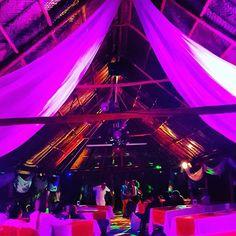 Noche Buena Mágica y Sabrosa!🍀 #eventos #sindamanoy #unico #naturalezaqueencanta #diferentesambientes #alegria #zapatoca #sabrosura #magia #encanto #jardindelosecretoshttps://www.instagram.com/p/BdIMYayFEDO/