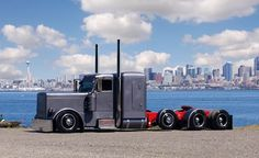Custom Big Rigs | Chris Thornhill's 2007 Peterbilt 379 | Pacific NW Scene